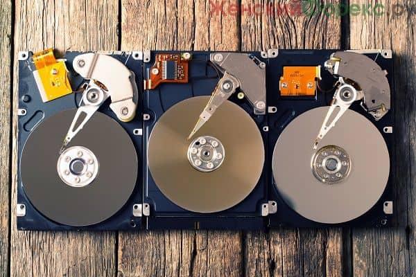 mayning-na-zhestkom-diske